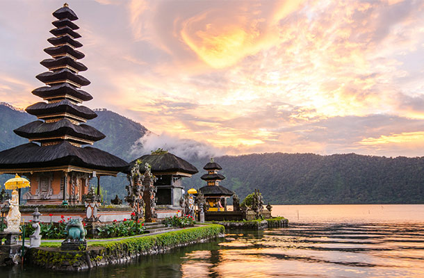 5 Ways to Get Off the Beaten Path in Indonesia