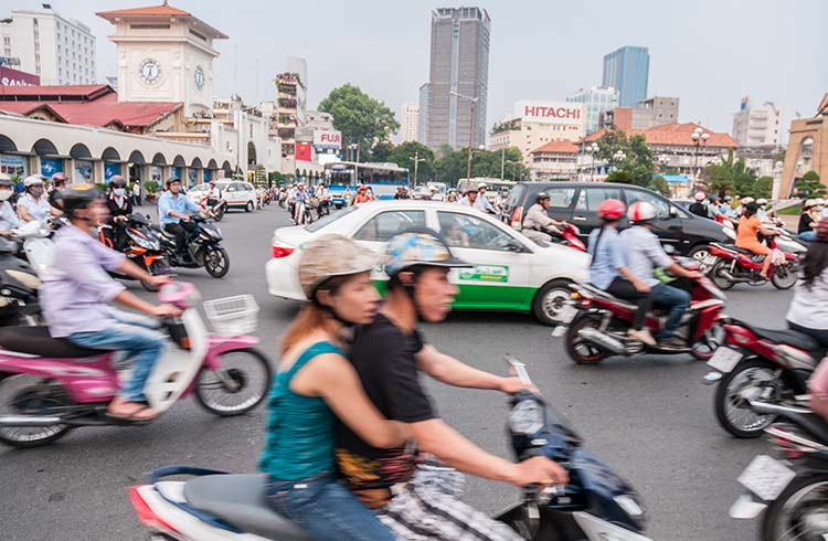 Local Laws & Customs in Vietnam: Safety Tips