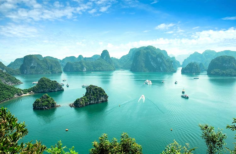 Halong bay vietnam is it worth it halong bay solutioingenieria Images