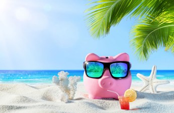 How To Be A Savvy Traveller by MoneyGeek.com