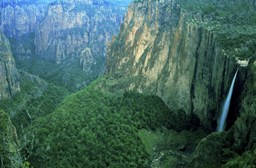 Is it safe to go to Copper Canyon & what to do there?