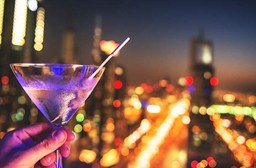 Alcohol & the Law in UAE → How Not to Get in Trouble