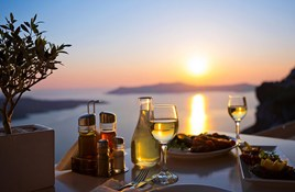 Drinking in Greece: What's the Legal Age?