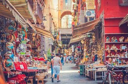 Italy's Top 4 Pickpocket Hotspots & How to Avoid Them