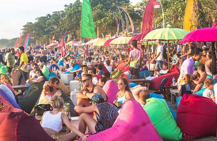 WATCH: How to Survive Kuta's Nightlife